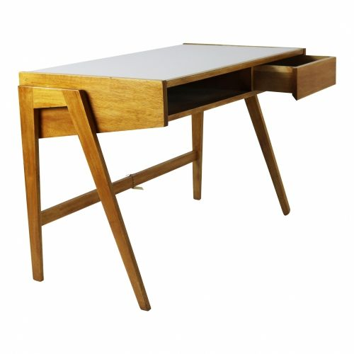 Nice ladies desk with formica top