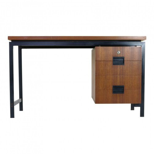 Nice elegant small ladies Pastoe desk designed by Cees Braakman