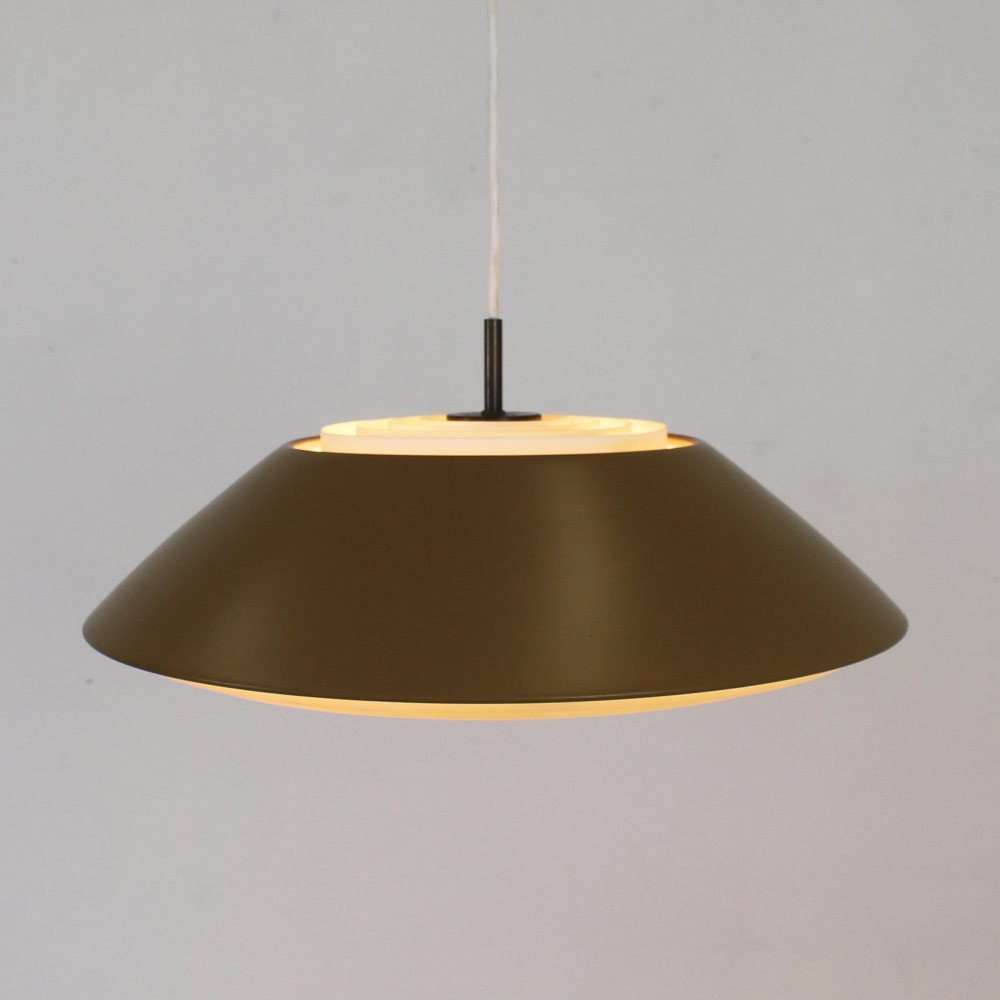 Danish pendant lamp with diffusing light