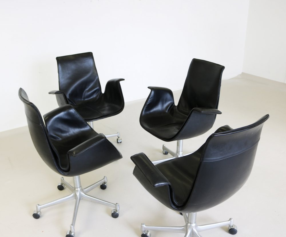 Group of four tulip chairs for Kill International