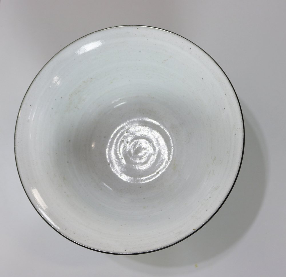 Larger ceramic bowl by Zaalberg Holland
