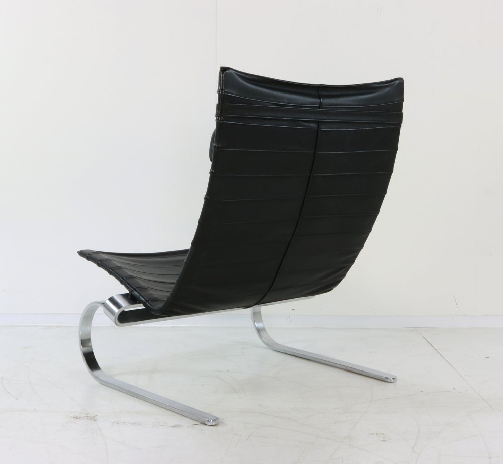 Original highback Kjærholm PK20 in black leather by EKC
