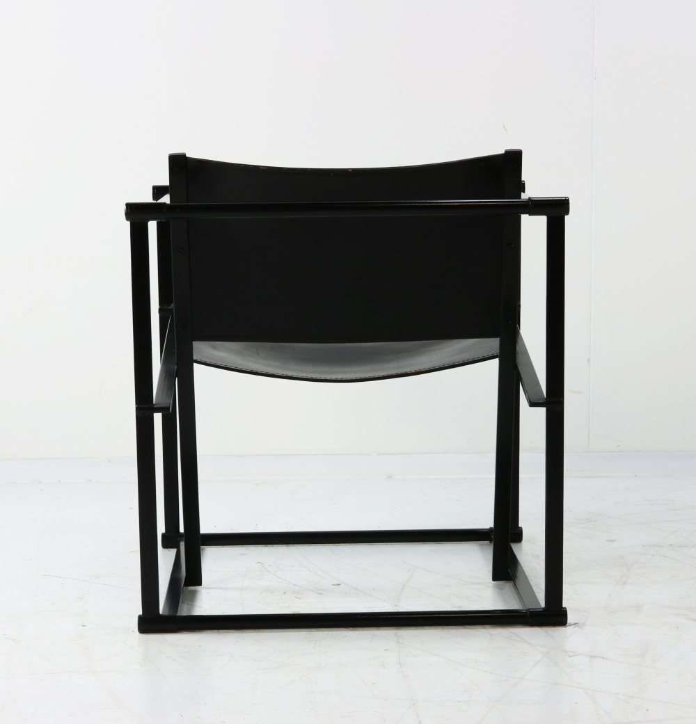 Minimalistic design lounge arm chair for UMS Pastoe