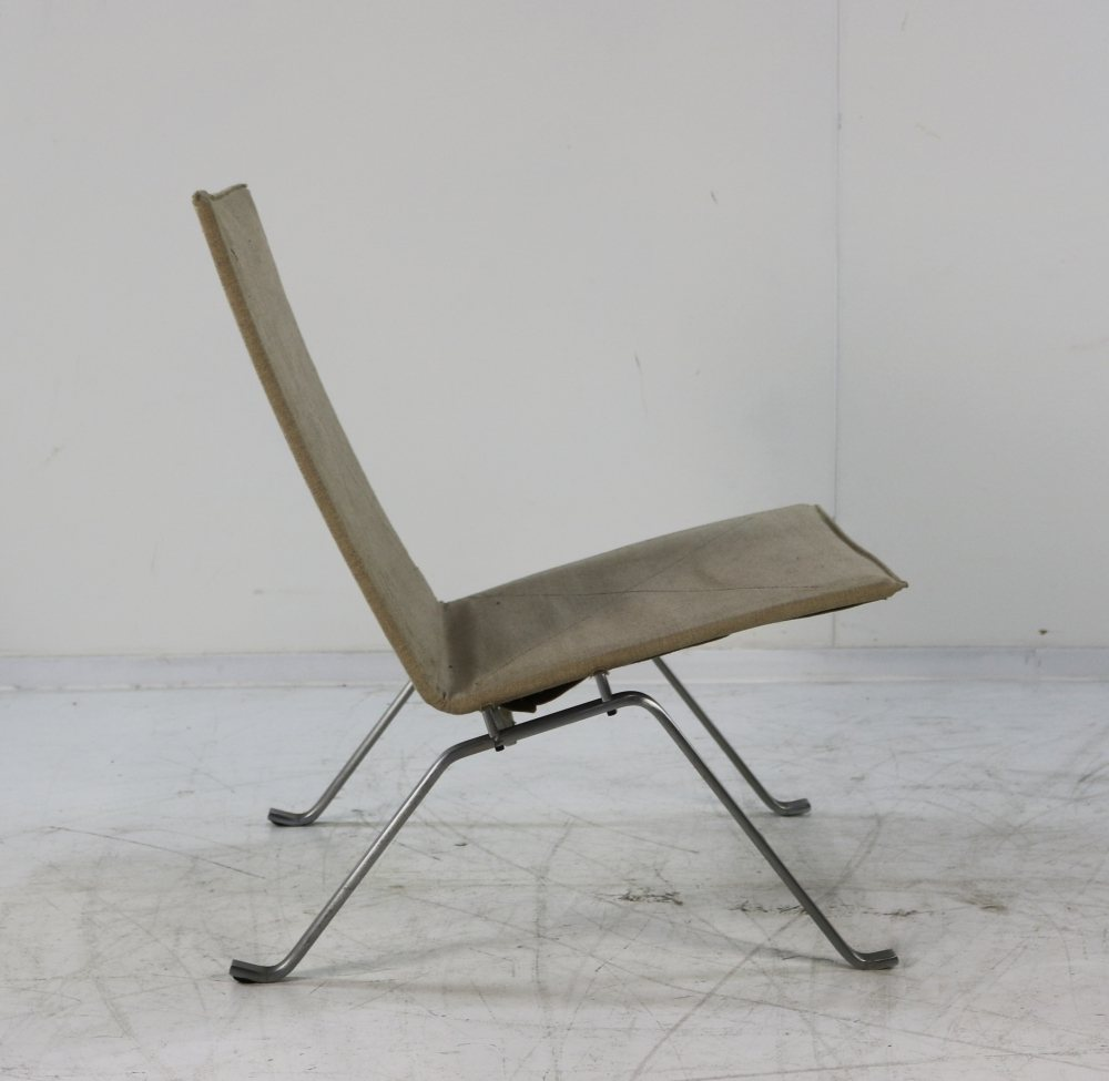 PK22 with original canvas upholstery by Fritz Hansen