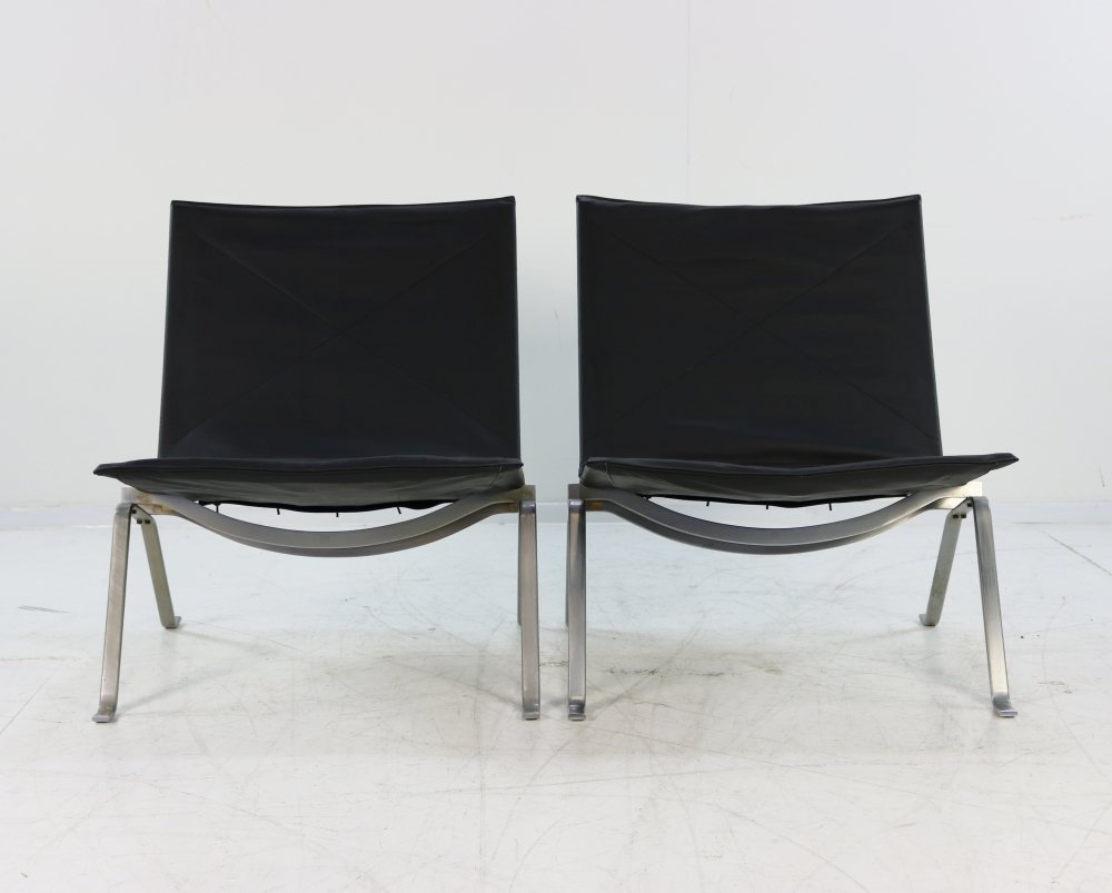 Set of two EKC Poul Kjaerholm lounge chairs
