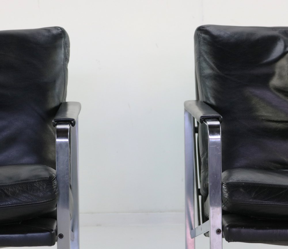 Fabricius lounge chairs in black leather