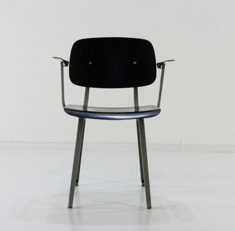 Friso Kramer revolt arm chair for Ahrend de Cirkel