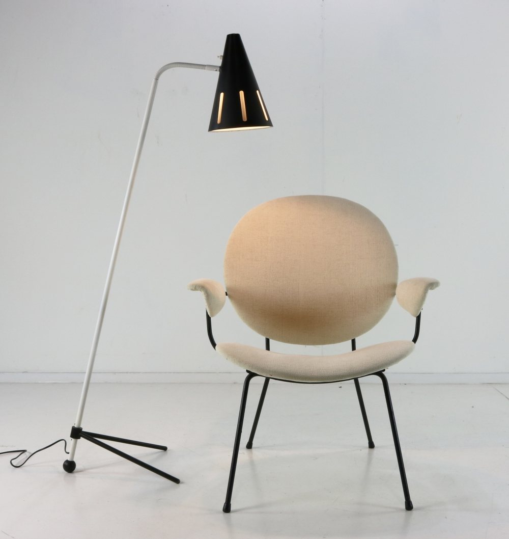 Dutch design easy chair by WH Gispen for Kembo Holland