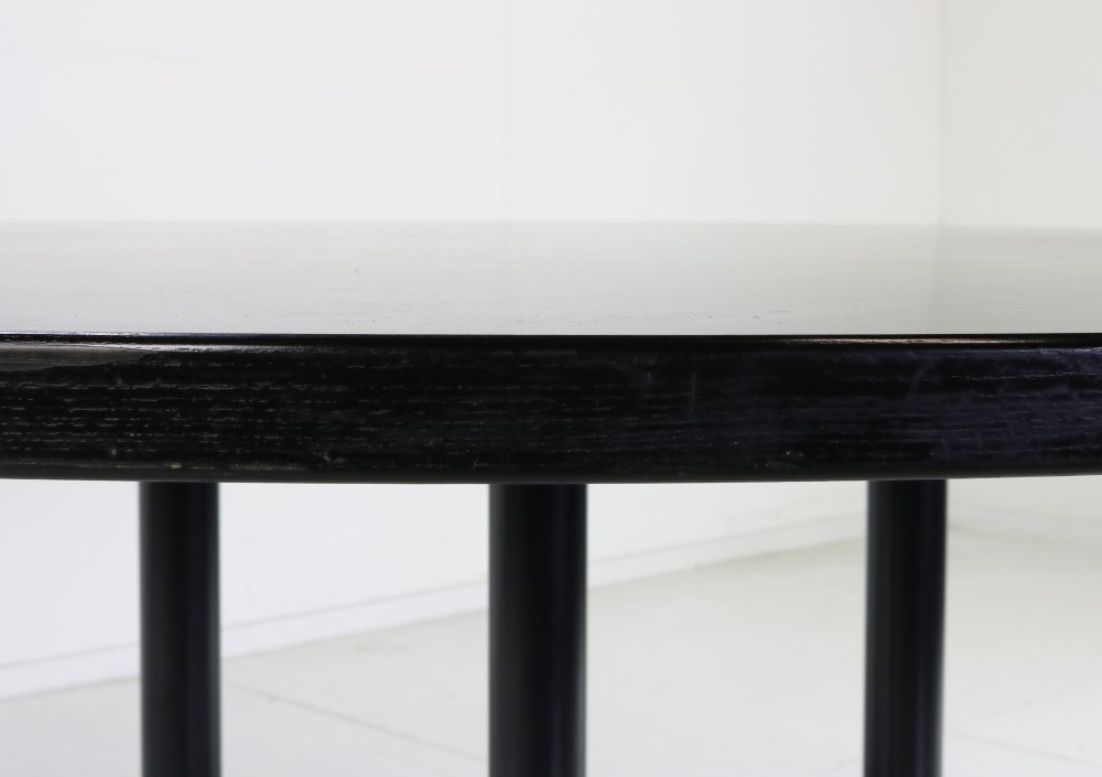 Large round segemented table Charles Eames