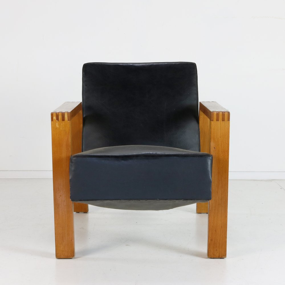 Dutch (Rietveld) design lounge chair by Groep& (Hein Stolle) for Goed Wonen