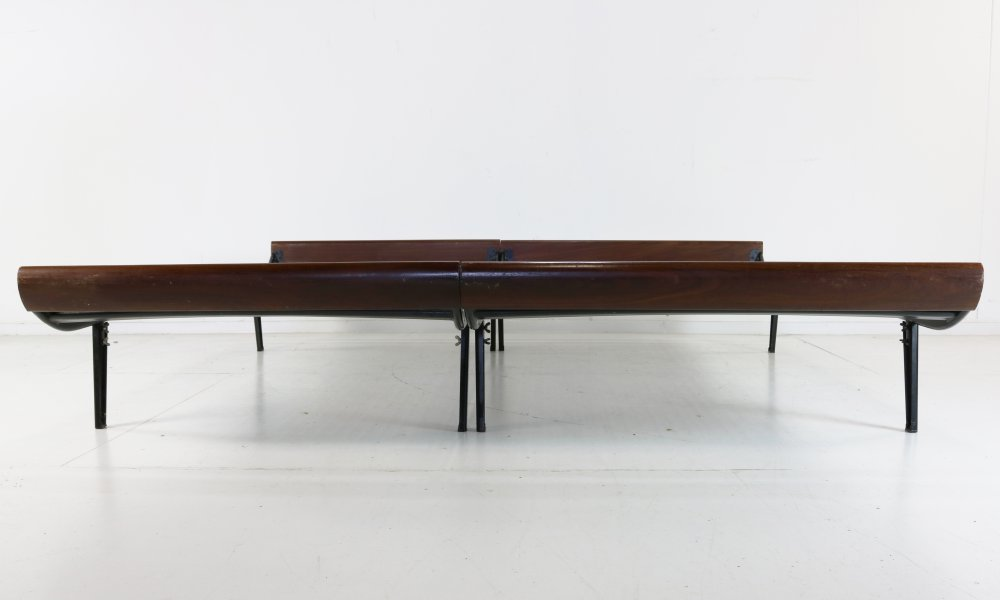 Double Cleopatra daybed by André Cordemeyer for Auping