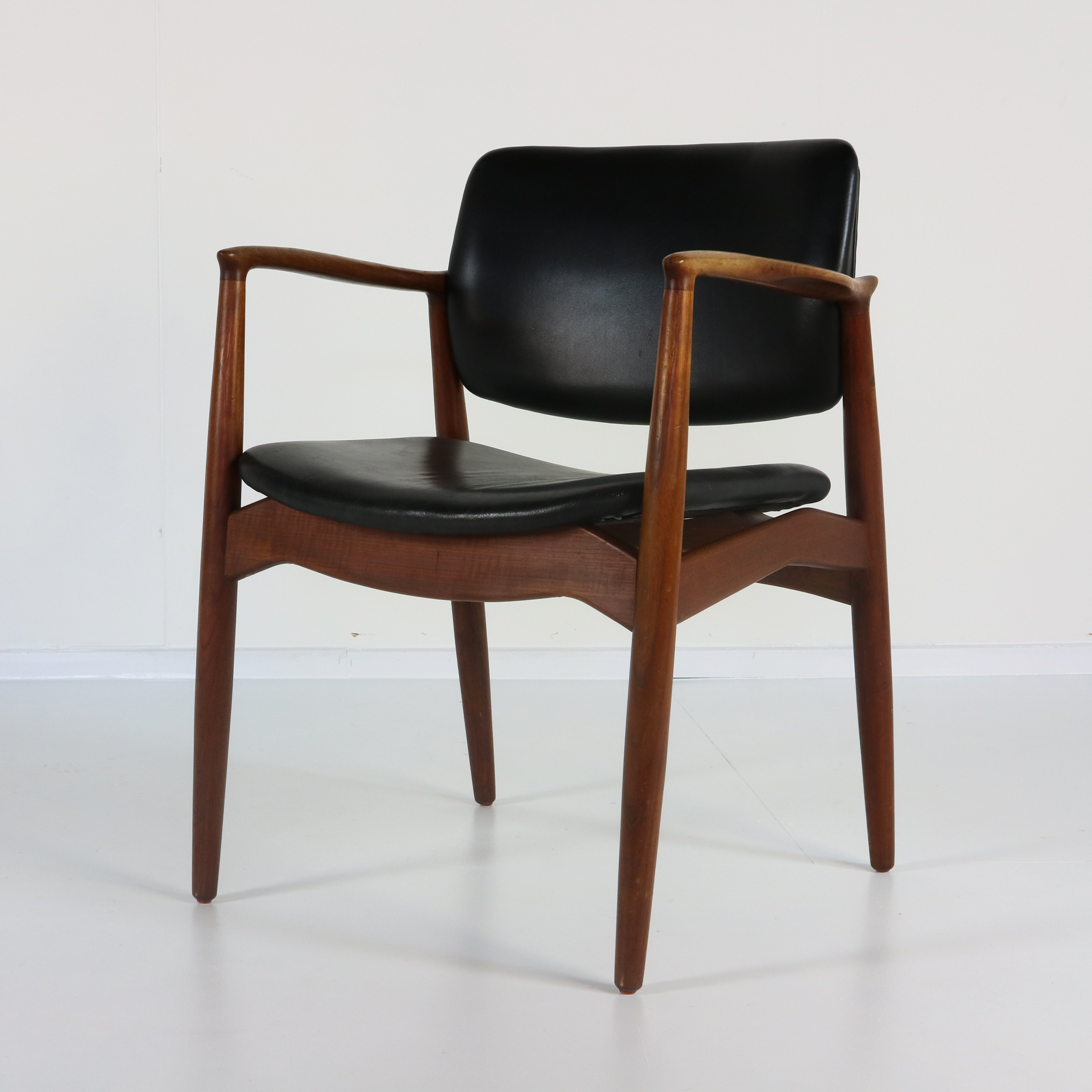 Excellent design Danish armchair